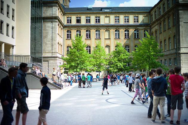 Schulhof des Görres-Gymnasiums